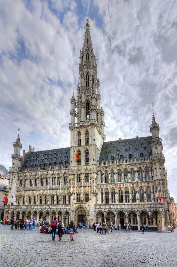 Câmara municipal de Bruxelas no quadrado de Grand Place, Bélgica imagem de stock royalty free
