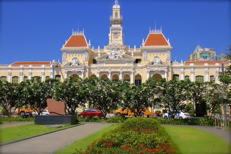 Câmara municipal de Dunedin na cidade de HochiMihn, Vietname fotografia de stock