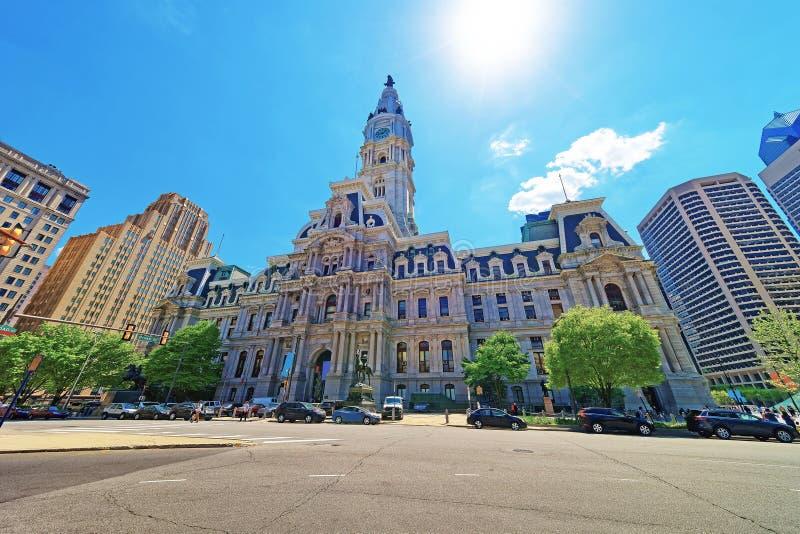 Câmara municipal de Philadelphfia com figura de William Penn sobre a torre imagem de stock royalty free