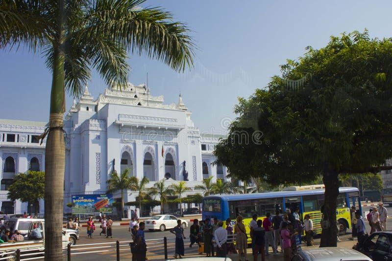 Câmara municipal de Yangon, cidade do centro fotos de stock royalty free