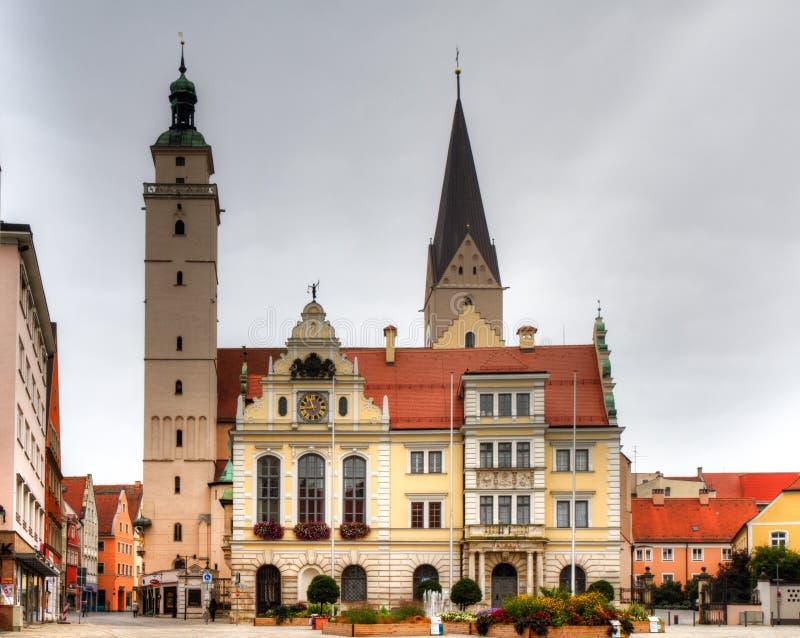 Câmara municipal e igreja do mercado de Ingolstadt imagem de stock royalty free