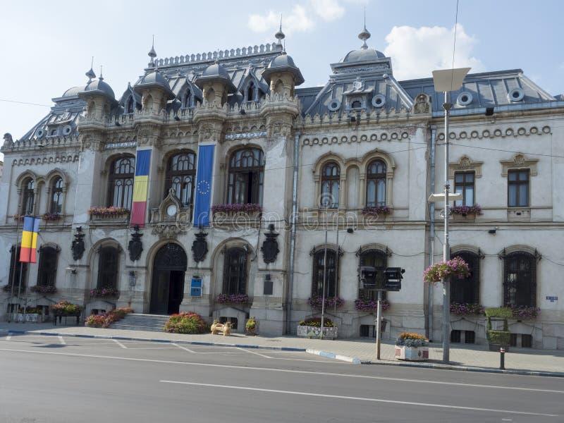 A câmara municipal em Craiova, Romênia foto de stock