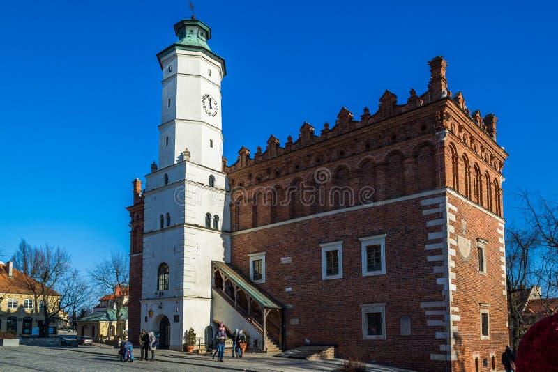 Câmara municipal histórica em Sandomierz, Polônia fotografia de stock royalty free