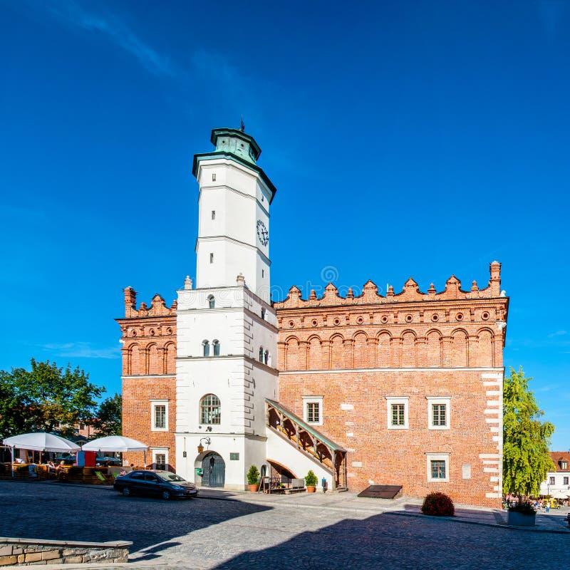 Câmara municipal histórica em Sandomierz, Polônia imagens de stock