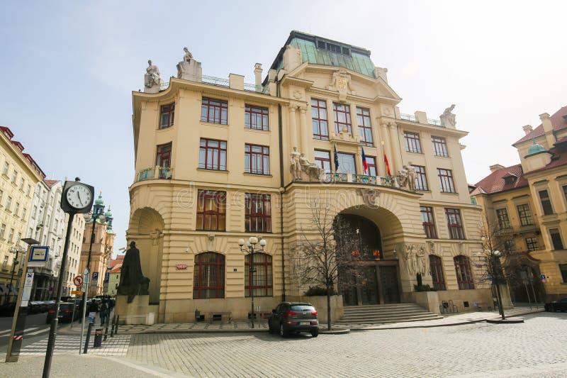 Câmara municipal nova de Praga fotos de stock