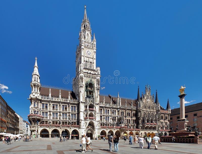 A câmara municipal nova em Munich, Alemanha fotografia de stock royalty free