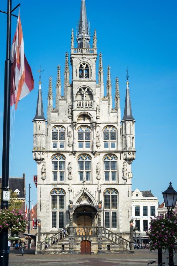 A câmara municipal velha do Gouda, Holanda imagem de stock