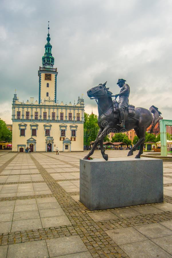 Câmara municipal velha em Chelmno em Vistula River no Polônia imagens de stock