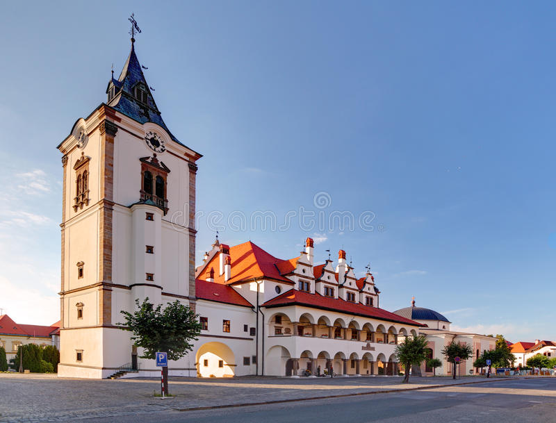 Câmara municipal velha na cidade de Levoca - Eslováquia foto de stock