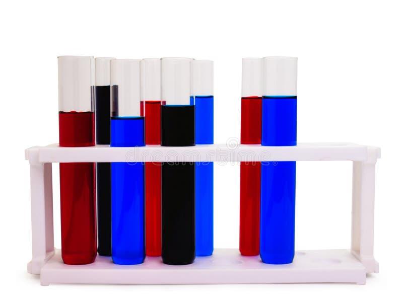 Câmaras de ar de teste com líquidos coloridos foto de stock