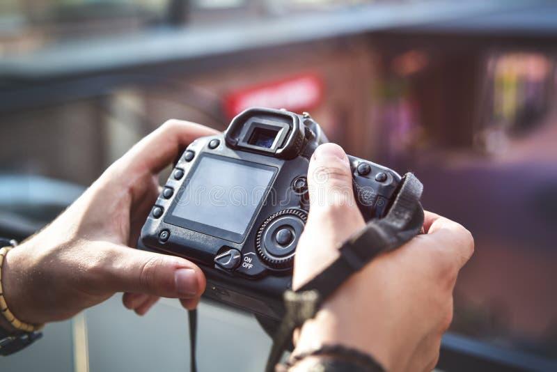 Câmera à disposição, fotografia da rua fotografia de stock royalty free