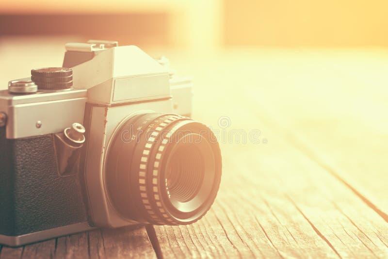 Câmera análoga retro foto de stock