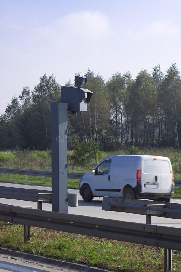 Câmera da velocidade do tráfego. Radar de polícia. foto de stock