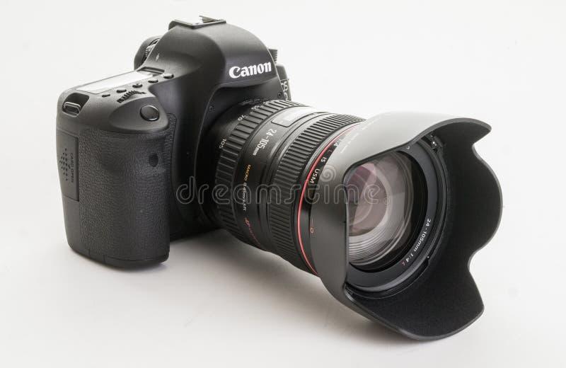 Câmera de reflexo moderna da única lente do EOS 6D Digitas de Canon foto de stock royalty free