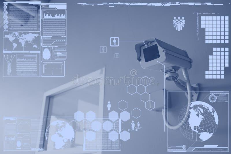 Câmera do CCTV ou tecnologia da fiscalização na visualização ótica fotografia de stock royalty free