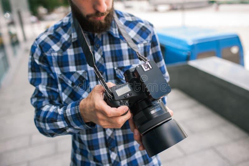 Câmera do dslr da foto do equipamento da fotografia imagens de stock royalty free