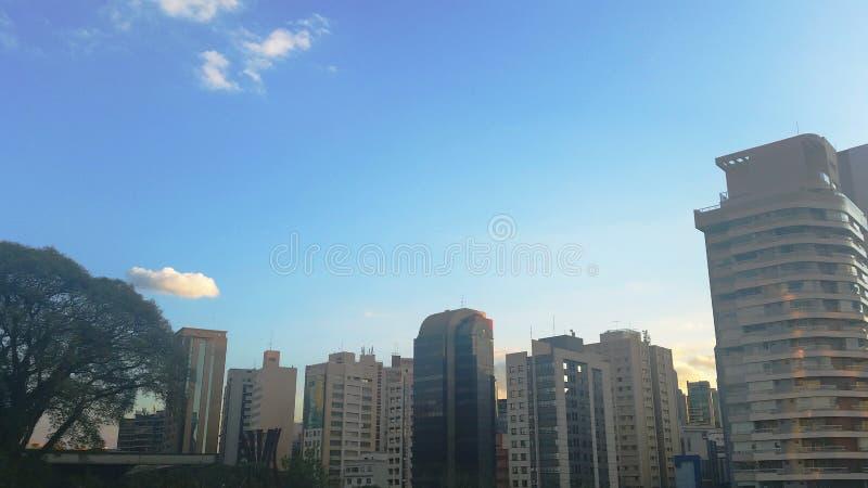 Céu Na Cidade de São Paulo lizenzfreies stockbild