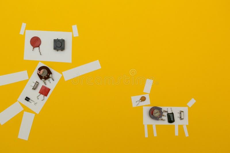 Cão de papel do robô em um fundo amarelo ilustração stock