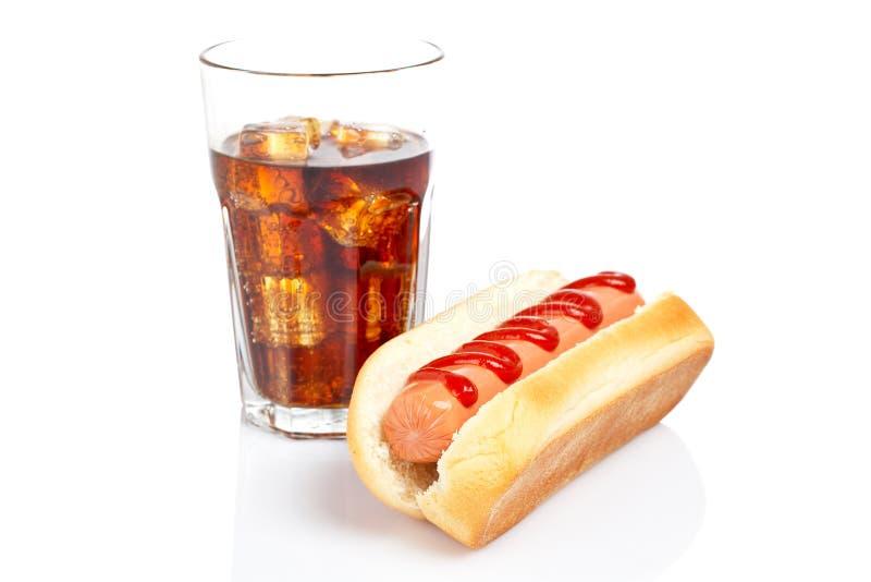Cão quente e vidro da soda fotos de stock royalty free