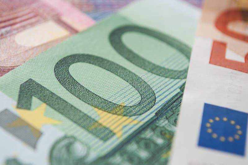 Cédulas de cem dinheiros dos euro imagens de stock royalty free