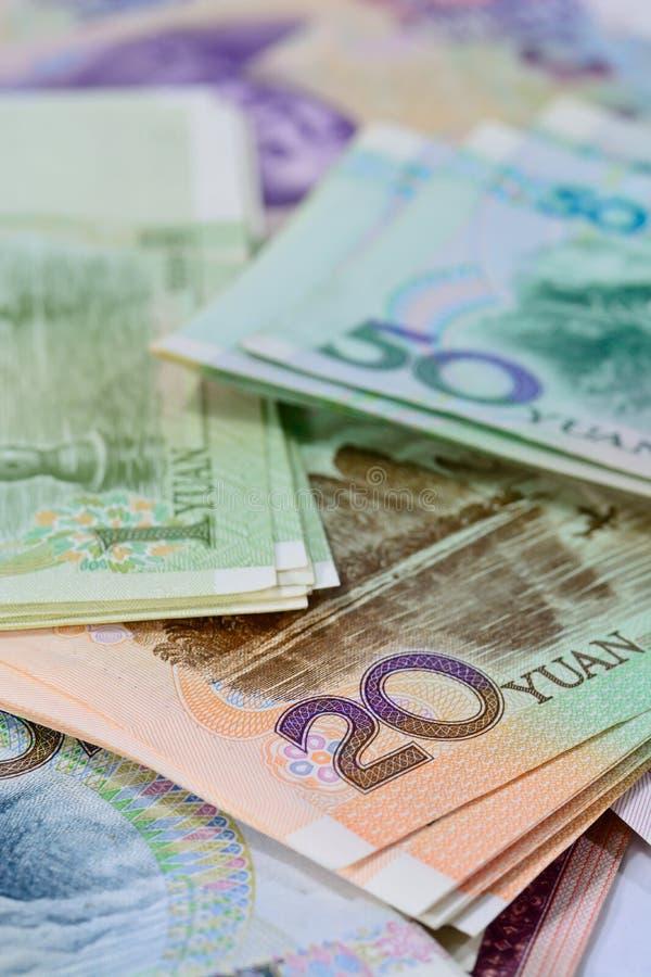 Cédulas de Yuan do chinês (renminbi) para o dinheiro e o conce do negócio fotografia de stock royalty free