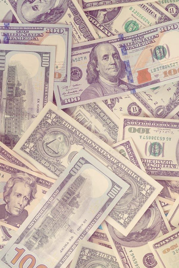 Cédulas fundo do dólar, vista superior Cem dólares e um dólar de conta Conceito do neg?cio feche acima da vista do dinheiro do di fotografia de stock