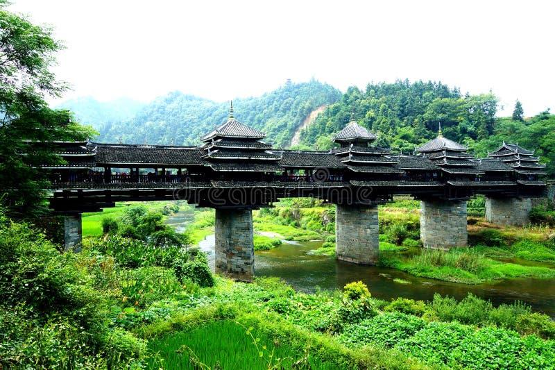 Célèbre dans le monde du pont antique de Cheng Yangqiao de coup de sanjiang de Guangxi de la Chine photo libre de droits