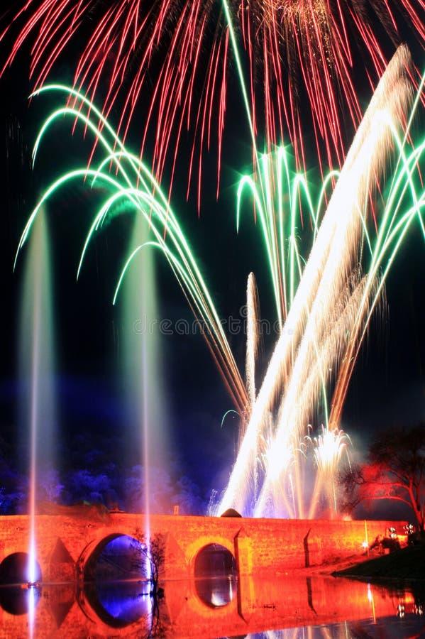 Célébration avec des feux d'artifice de détail de couleurs image stock