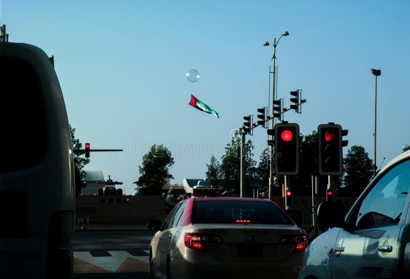 Célébration de Dubaï le jour national des Emirats Arabes Unis avec plusieurs activités de festival telles que piloter beaucoup de image libre de droits