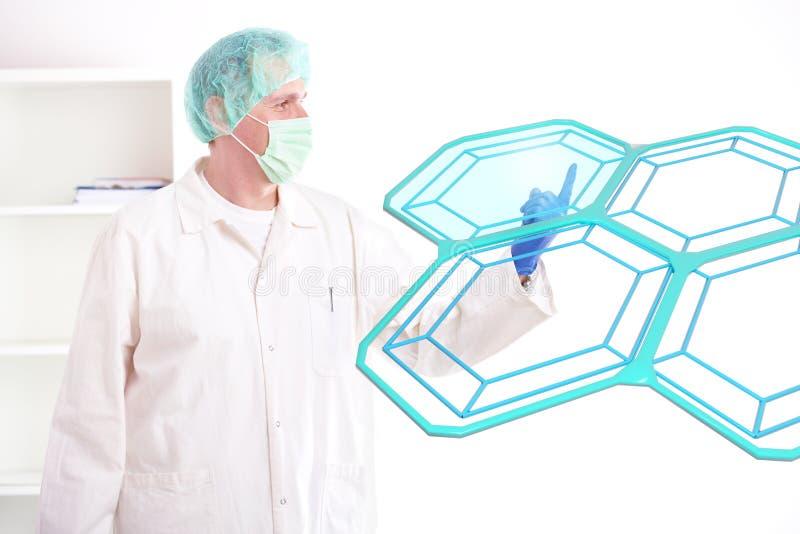 Células de la prueba del investigador en el laboratorio imagen de archivo
