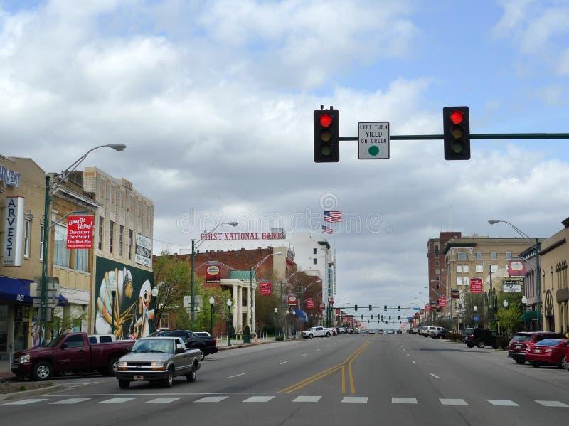 Céntrico, calle principal de Fort Smith, AR imagenes de archivo