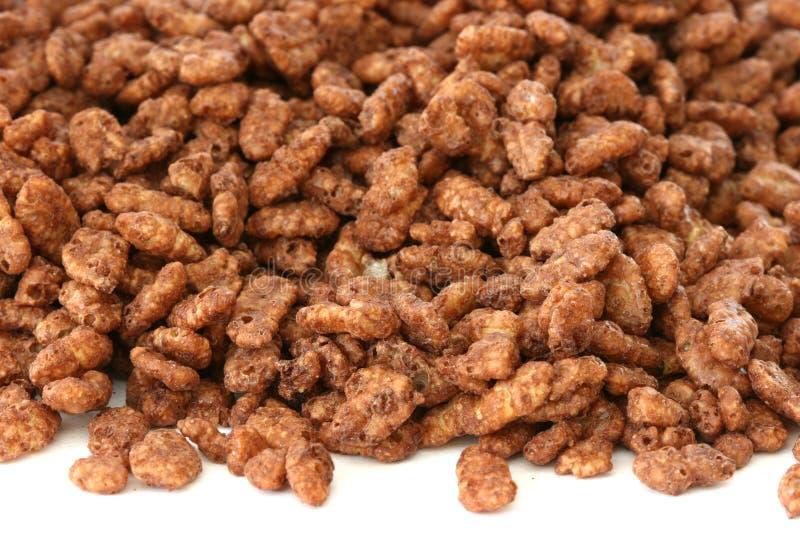 Céréales de riz sautées par chocolat images stock