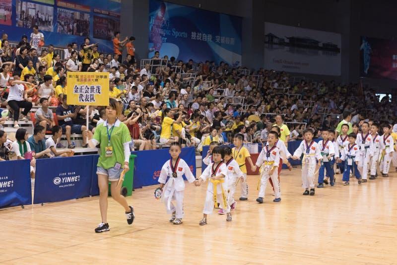 Cérémonie d'ouverture--La concurrence amicale du Taekwondo de huitième tasse de GoldenTeam images libres de droits
