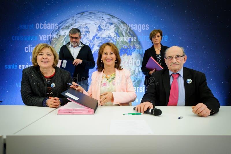 Cérémonie de assinaturas de contrats Territoires à Energie Positive pour la Croissance et Territoires Zéro Déchet Zéro Gaspil imagem de stock