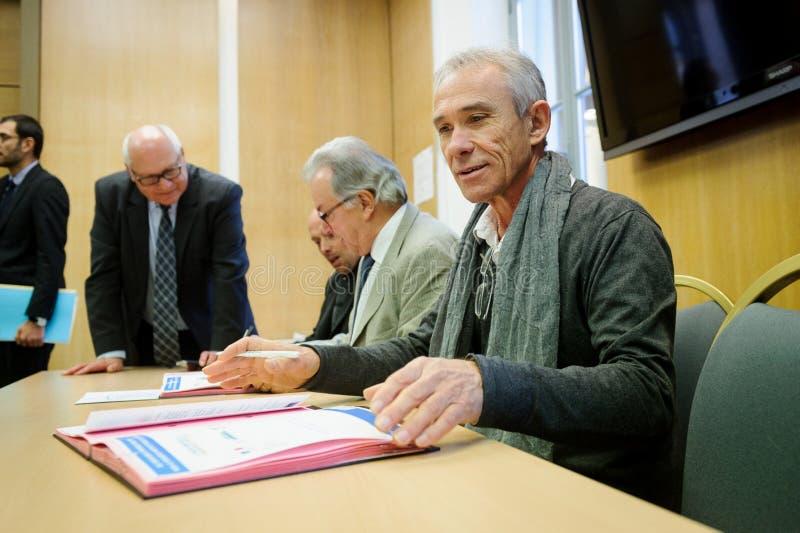 Cérémonie de assinaturas de contrats Territoires à Energie Positive pour la Croissance et Territoires Zéro Déchet Zéro Gaspil fotos de stock