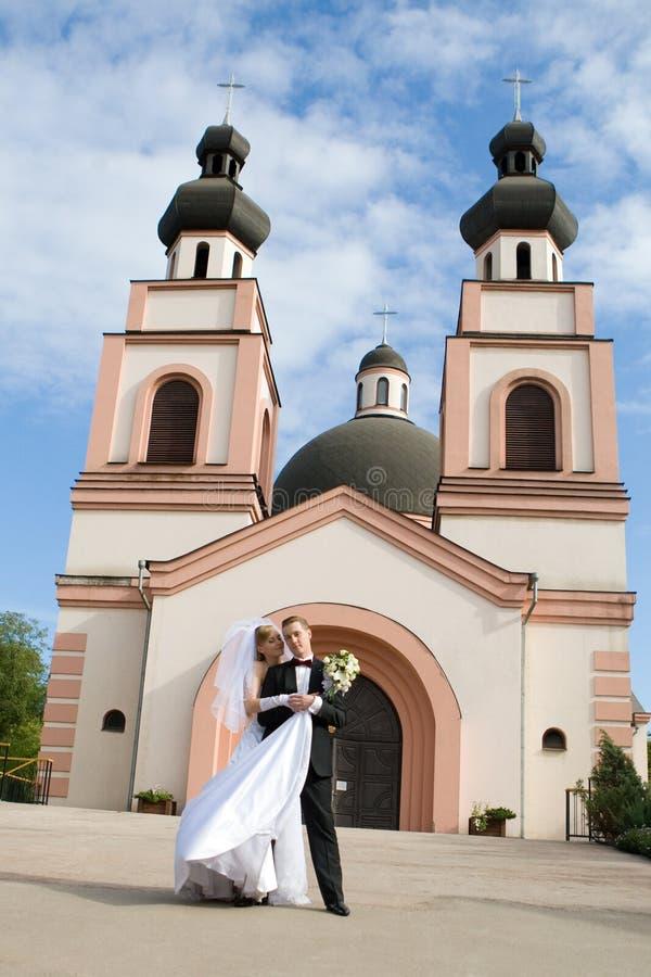 Cérémonie de mariage dans l'église image libre de droits