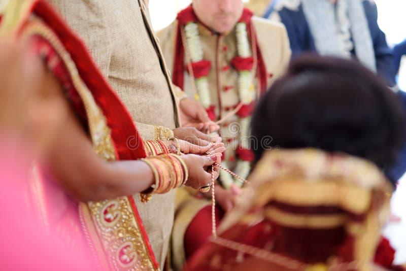 Cérémonie de mariage indoue étonnante Détails du mariage indien traditionnel photos libres de droits