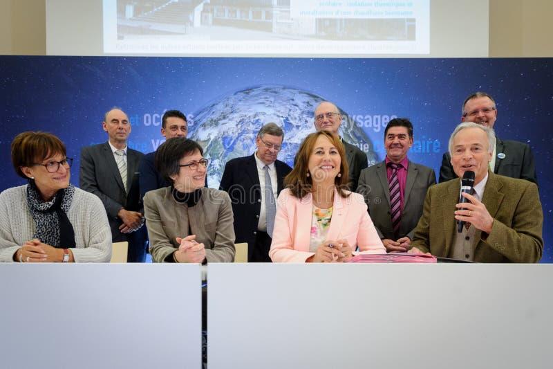 Cérémonie de signature de contrats Territoires à Energie Positif pour la Croissance et Territoires Zéro Déchet Zéro Zéro Ga image libre de droits