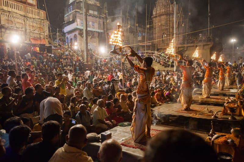 Cérémonie du Gange Aarti, Varanasi images stock