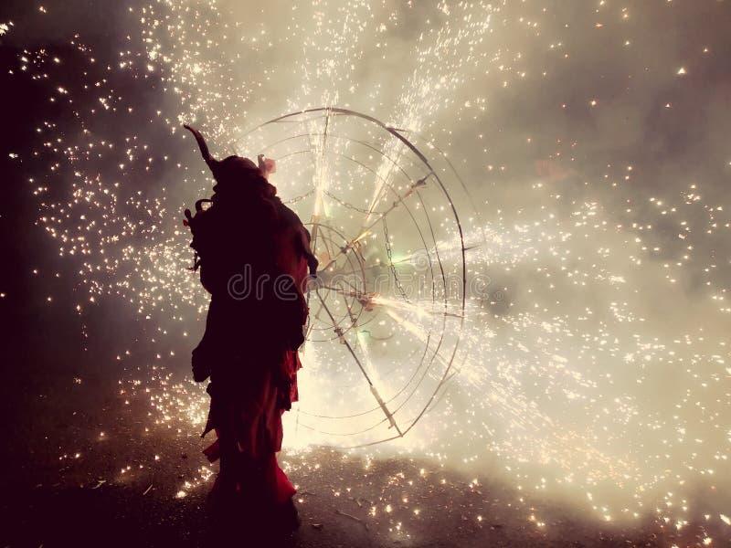 C?r?monie traditionnelle avec le feu en Majorque photo stock