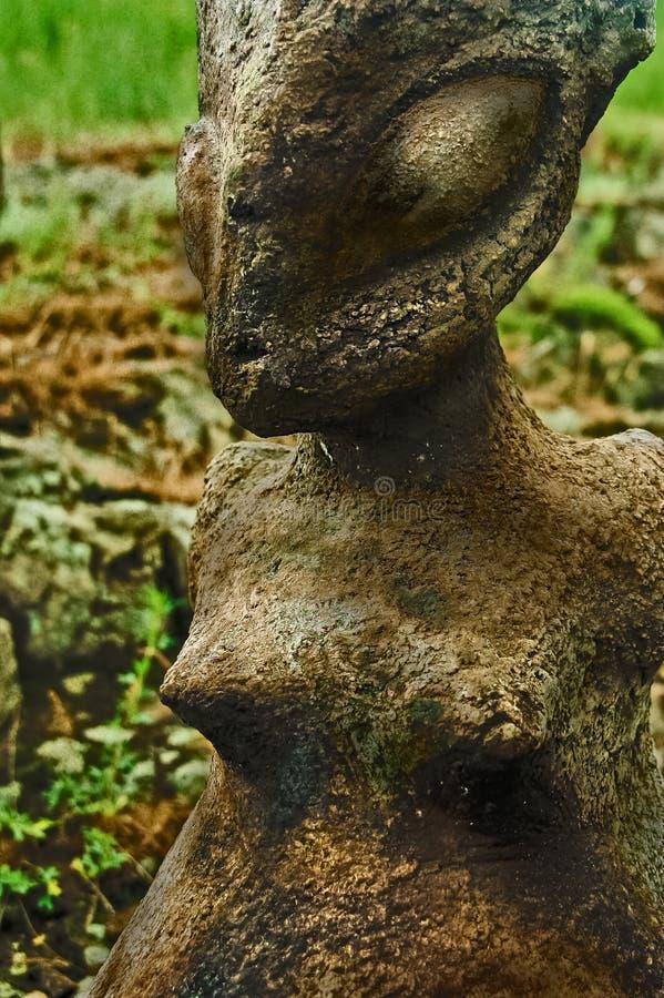 Céramique historique de poterie de Scythian avec la mise à feu images libres de droits