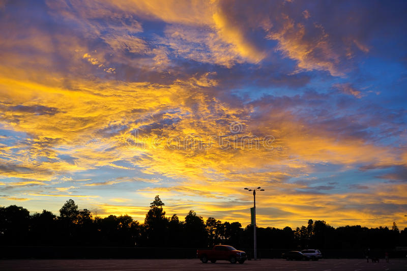 Céu ajustado de Sun imagem de stock