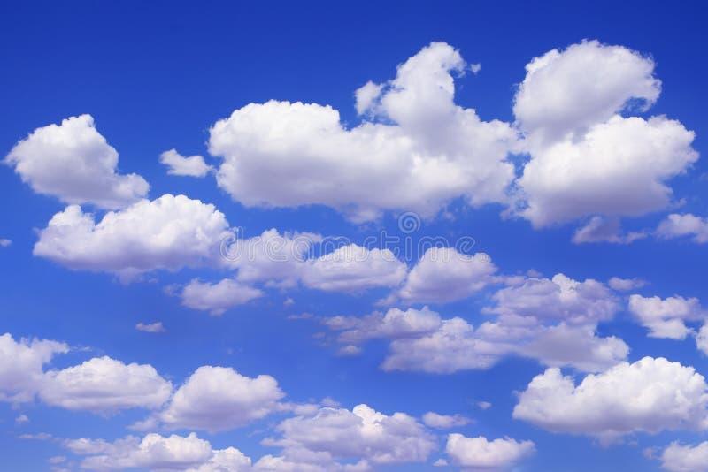 Céu azul bonito foto de stock