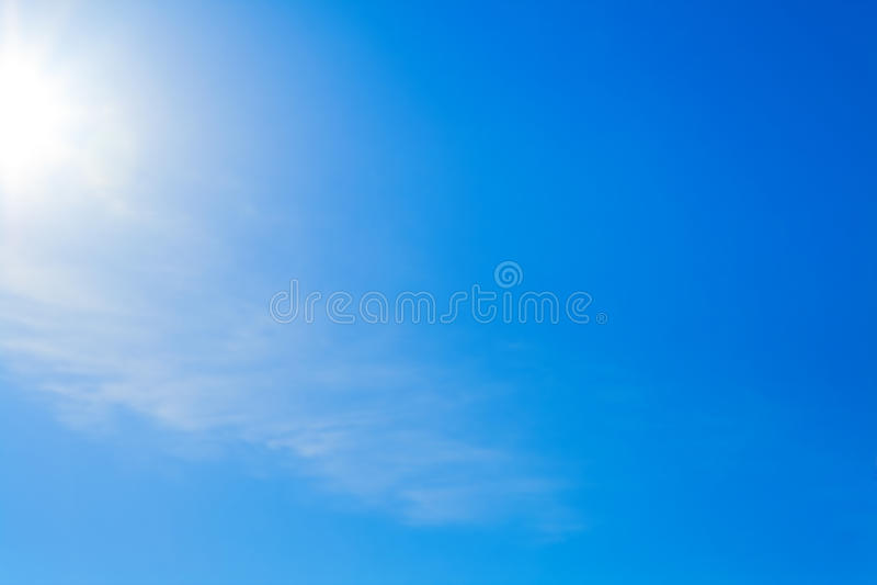 Céu azul desobstruído
