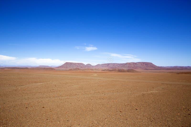 Céu azul no deserto de Namib foto de stock