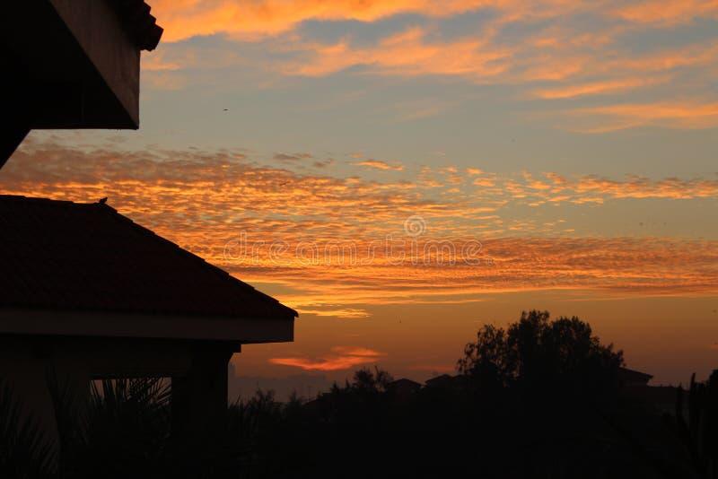 Céu bonito do nascer do sol do por do sol fotos de stock
