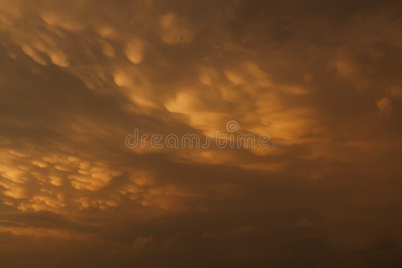 Céu bonito do por do sol fotografia de stock royalty free