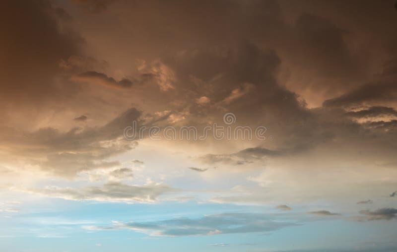 Céu colorido do clound fotos de stock royalty free