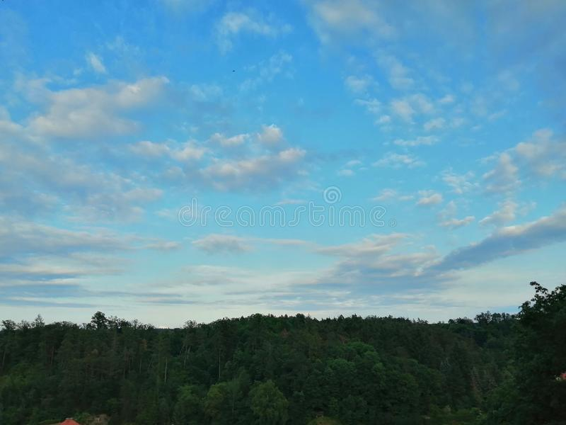 Céu de Czechia da natureza em Bechyne foto de stock royalty free