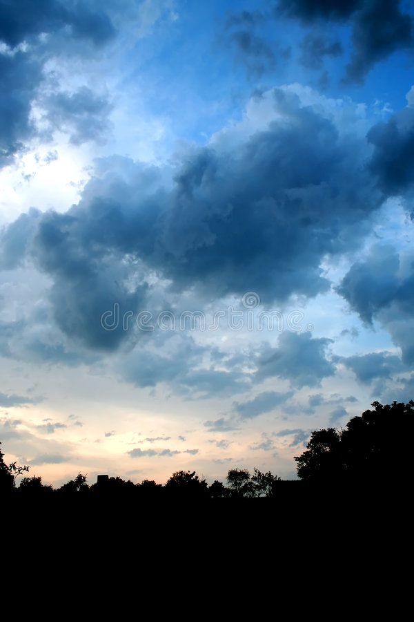 Céu de escurecimento 1 foto de stock